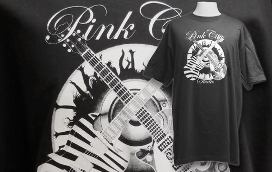 Tryckta t-shirts till pinkcity studio