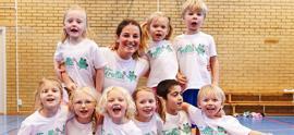 gruppfoto med barn och ledare