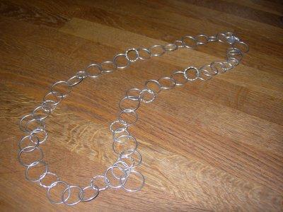 halskedja-runda-ringar.jpg