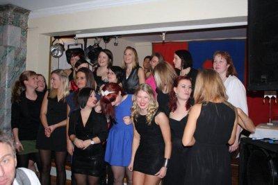 tjejer-pa-lunnarps-bollgala-2012.jpg