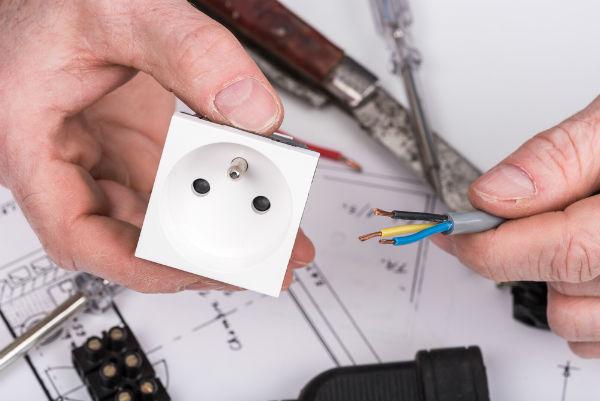stickkontakt elektriker