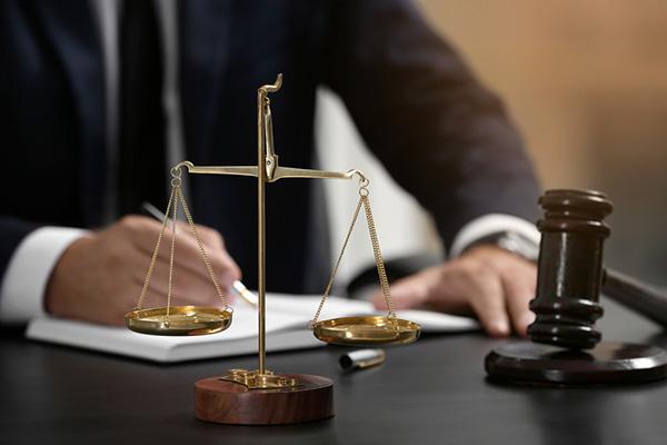 juridik advokat