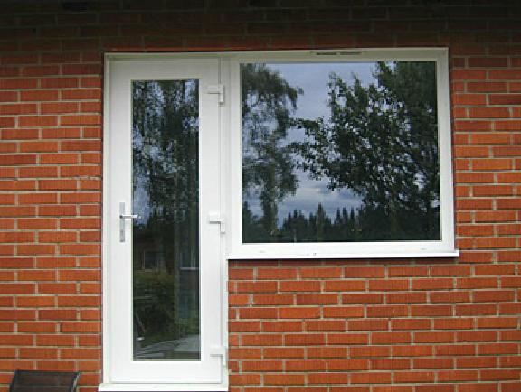 PVC-fönster tegelvilla