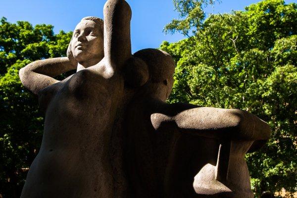 skulptur-systrar.jpg