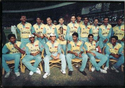 /cricket-team.jpg