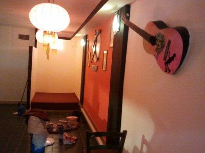 painted-guitar-jimi.jpg
