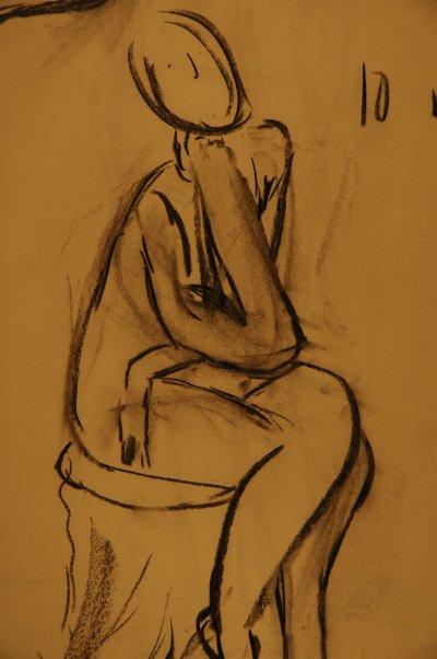 /kroki-002.jpg sittande på pall