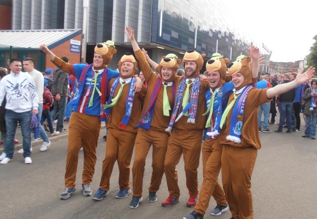Fans d'Inverness en Yogi l'ours