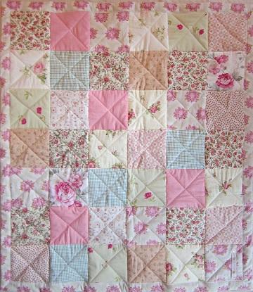 rosa babytäcke kvilt