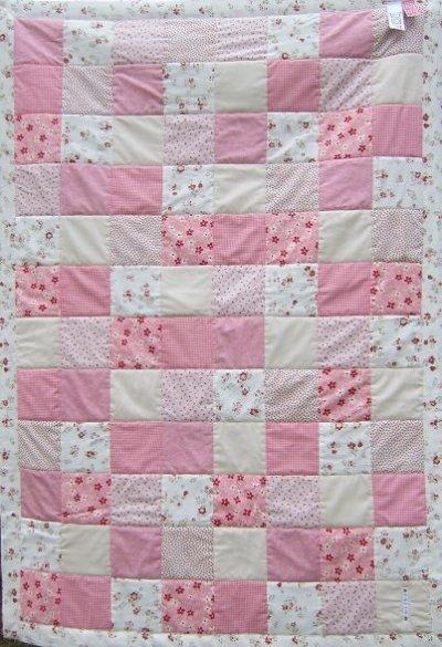rosa babytäcke lappteknik