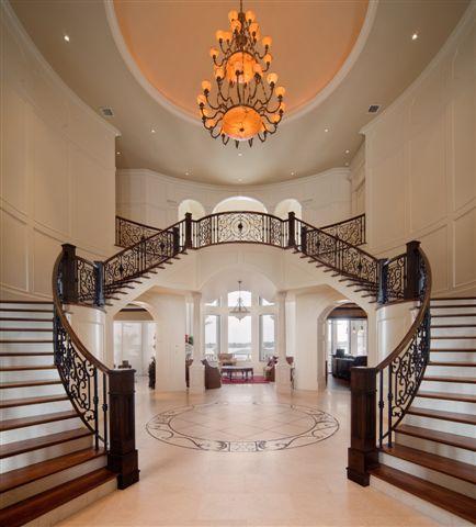 Dubbla trappor till övervåningen
