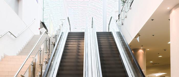 Städa rulltrappor