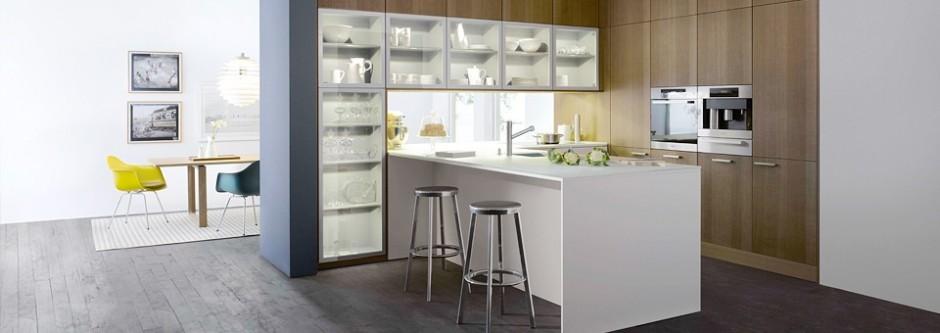 Lackering köksluckor, Nya köksluckor, Lacka hyllor, innerdörrar, stolar, bord, byrå
