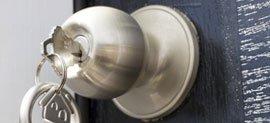 nyckel i lås