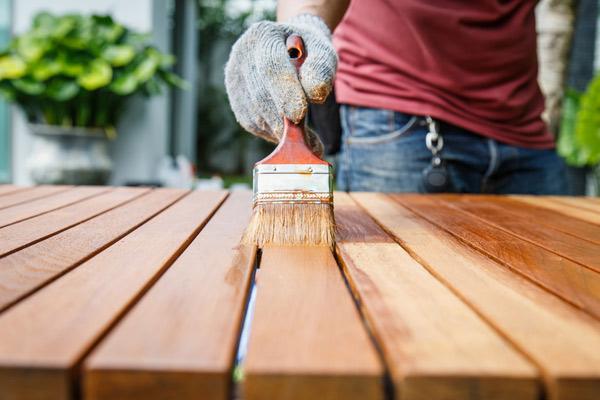 måla utomhusmöbler