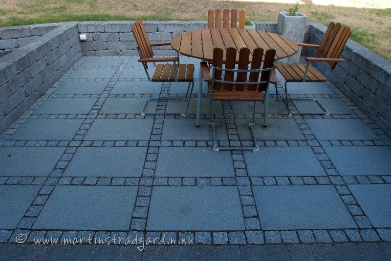 uteplats-rustik-granitplattor-blockrustik-miljo-05.jpg