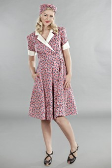 The wonderful weather wrap dress, red flowers