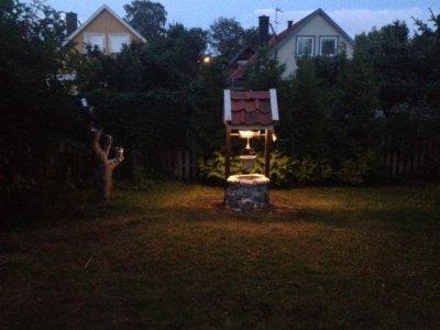 Önskebrunn med belysning