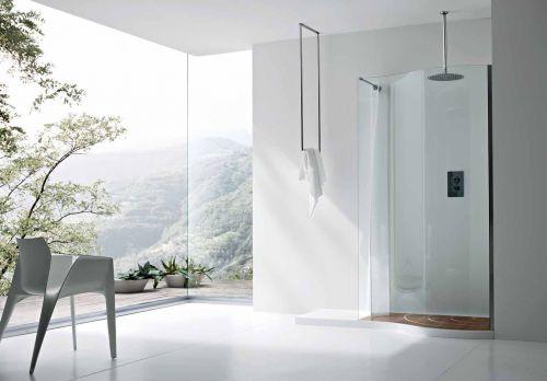duschkabin med fin utsikt