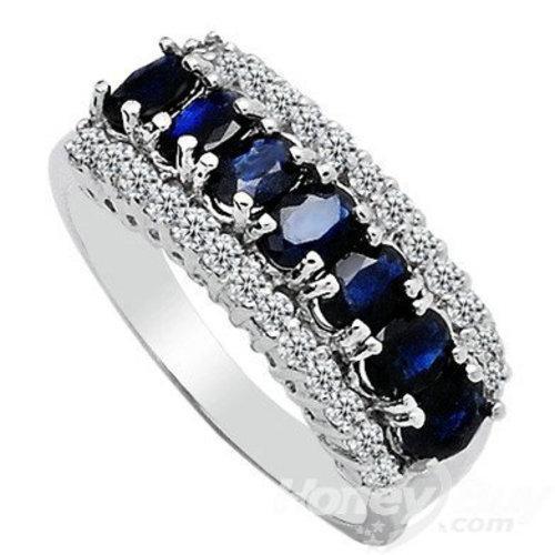Silverring med blåa stenar