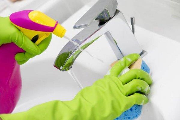 städa badrum