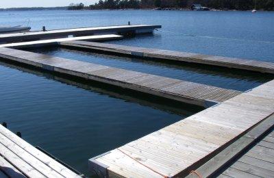 badbryggor används till fiskodling