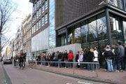 Folk utanför Anne Frank-huset
