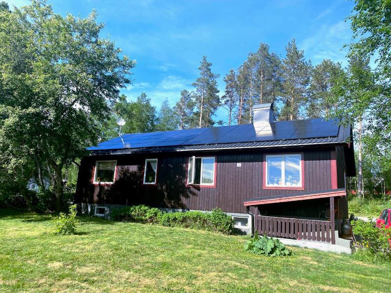 Vi installerar solpaneler i Östersund på alla typer av tak.
