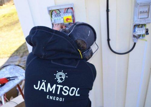 Alla våra elinstallatörer är certifierade inom solceller i Östersund.