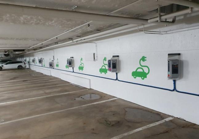 Efterbild av installation av laddstationer i kontorfastigheten i Lindhagen.