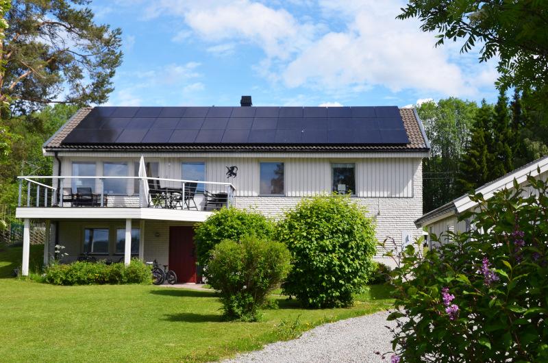 Detta är en av våra utförda arbeten med att installerat solceller och solpaneler på privat villafastighet.