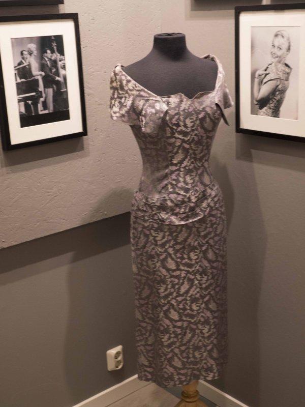 Monicas andra finklänning