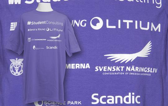 Student tryck som screentrycktes på t-shirts till högskolan i Jönköping