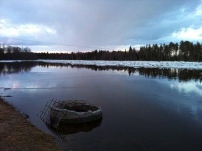 Höga vatten flöden i älven
