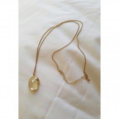 Längre halsband med klar infattad sten 199;-