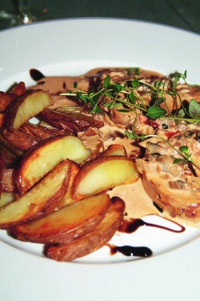 kyckling-m-soltorkade-tomater-o-potatisklyftor.jpg