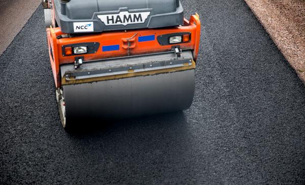 NCC lägger asfalt i Stockholm