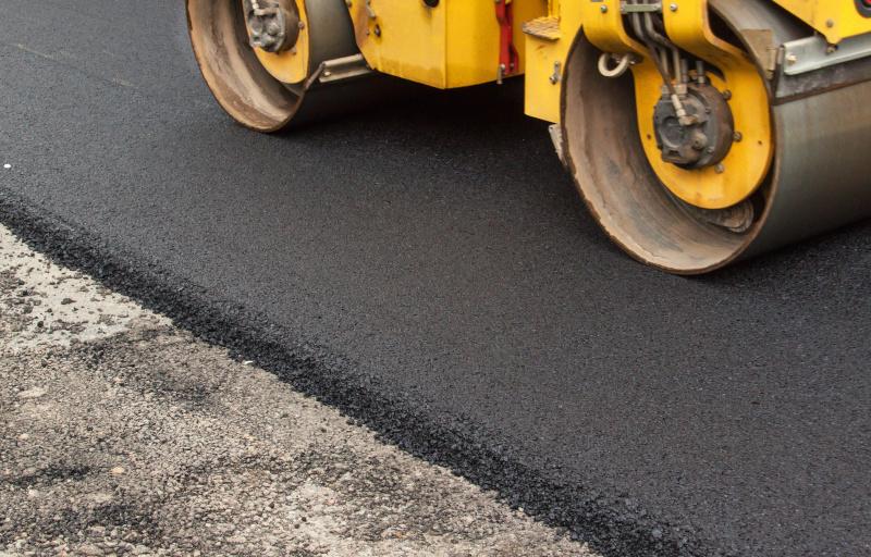 Vi utför alla typer av asfaltarbeten och asfaltering i Linköping för privata, företag och Brf.