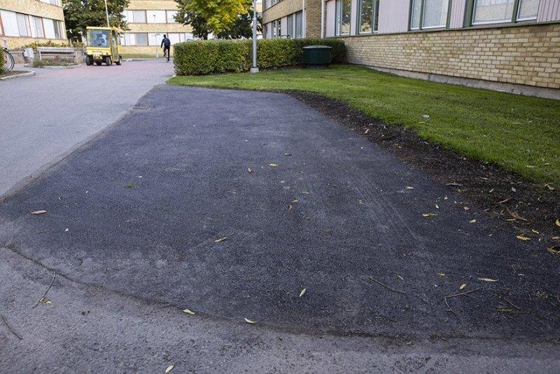 Vi utför alla typer av arbeten med asfalt i Stockholm, även som här lagningsarbeten.