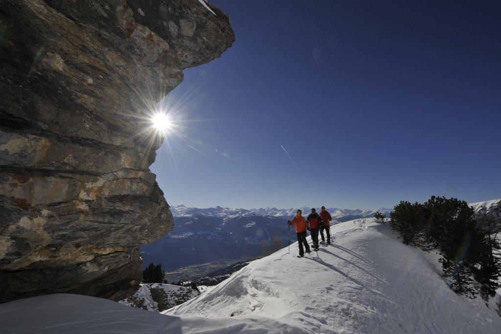 Randonnée en raquettes de l'Auberge des Alpes aux sommets environnent Liddes