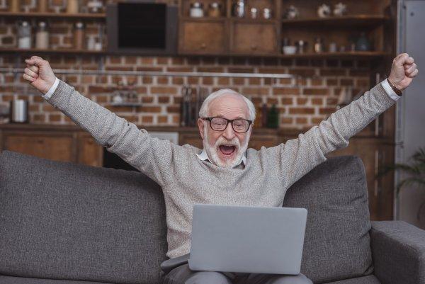 Senior vinner online