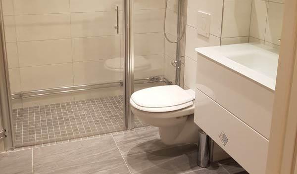 nyrenoverat badrum i Enskede