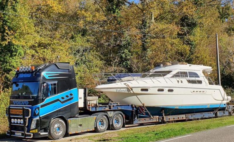 Oavsett storlek och värde på båten så har vi den kunskap som krävs för att transportera din båt tryggt och punktligt.