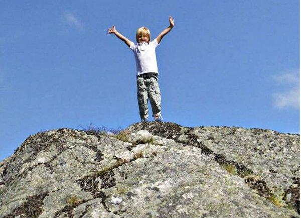 pojke på berg