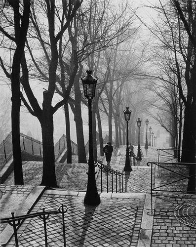 /brassai-1899-1984-1936-montmartre-paris.jpg