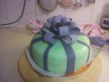 bow_cake.jpg