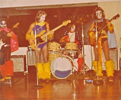 bright-eye-band-halloween-playing-1977.jpg