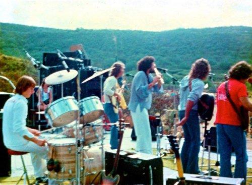 bright-eye-band-steve-diamond-head-crater-1977.jpg