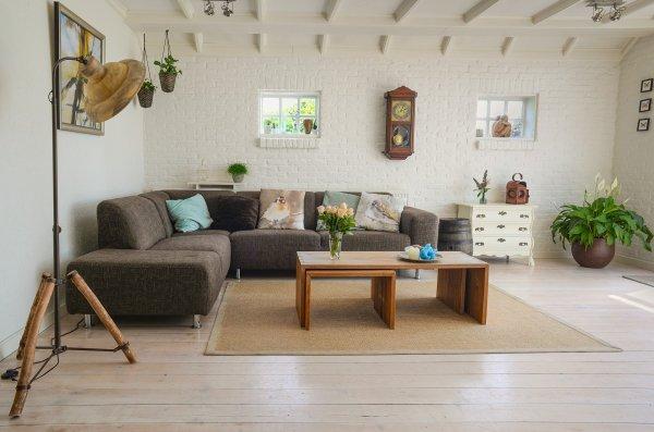 Vackert trägolv i vardagsrummet