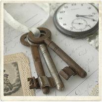 Gamla nycklar, set om tre stycken